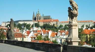 VIATJA A PRAGA      -                     Praga