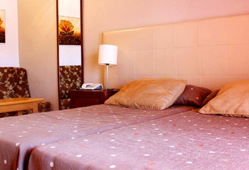 Quarto Hotel AR Roca Esmeralda & Spa Calpe