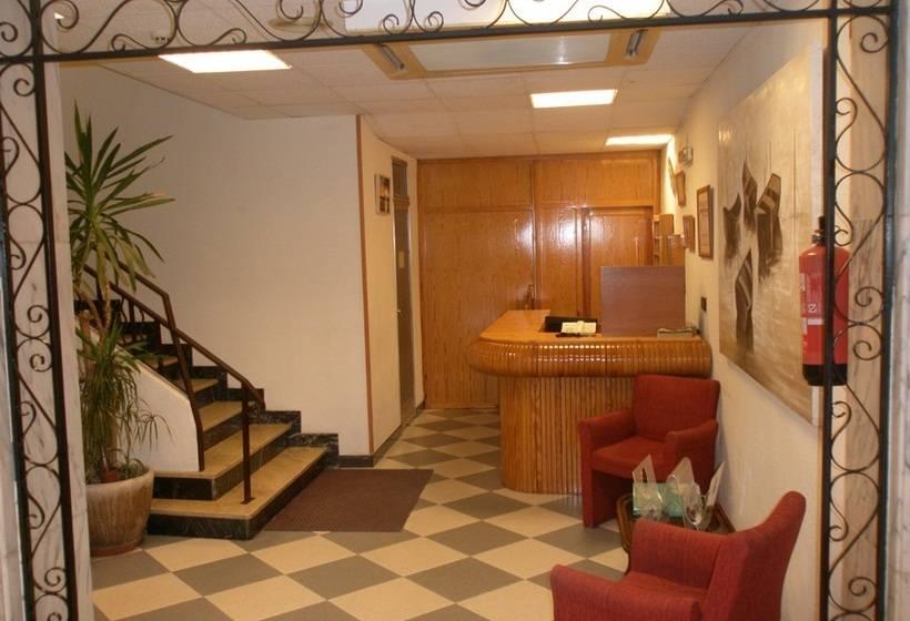 בית מלון כפרי Mayna בנידורם