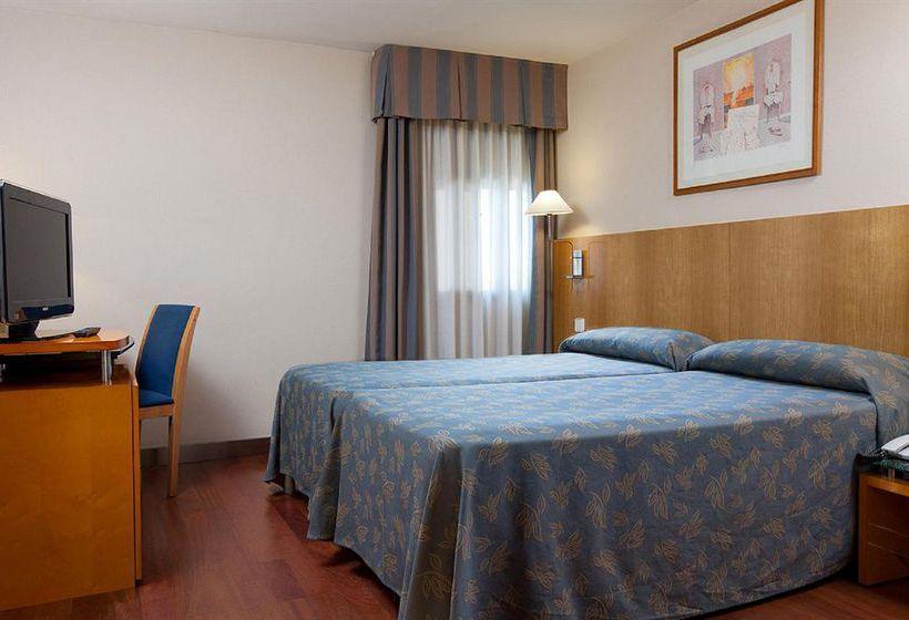 Quarto Hotel NH Rambla de Alicante