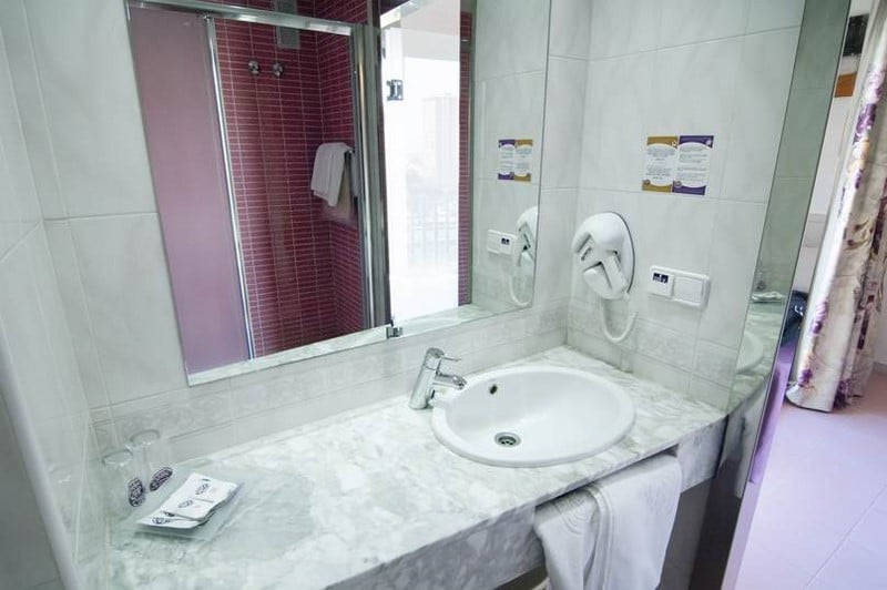 Bathroom فندق Servigroup Venus بينيدورم