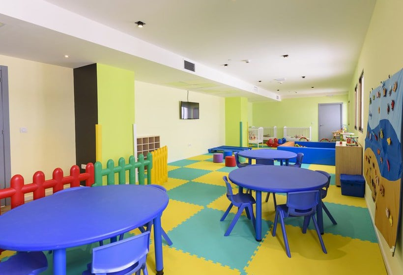 Aires de jeux pour enfants Hôtel Sol Pelícanos Ocas Benidorm