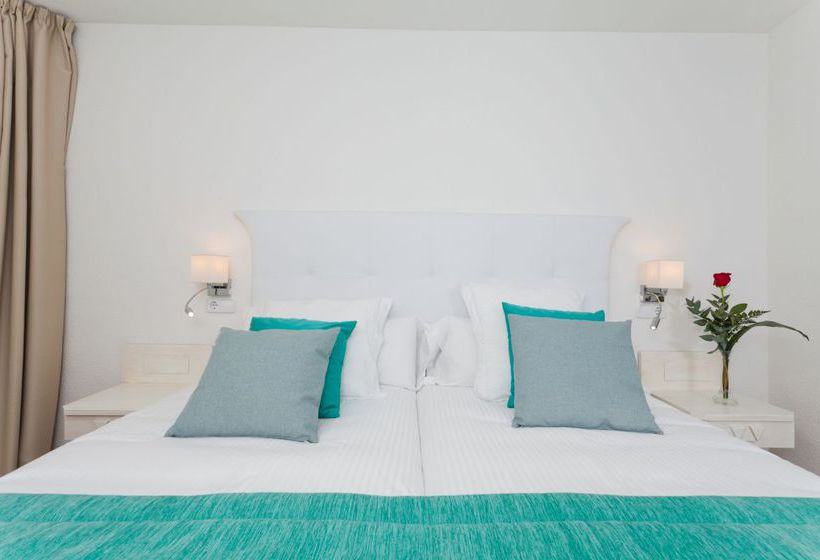 فندق Fergus Style Cala Blanca Suites سانتا بونسا