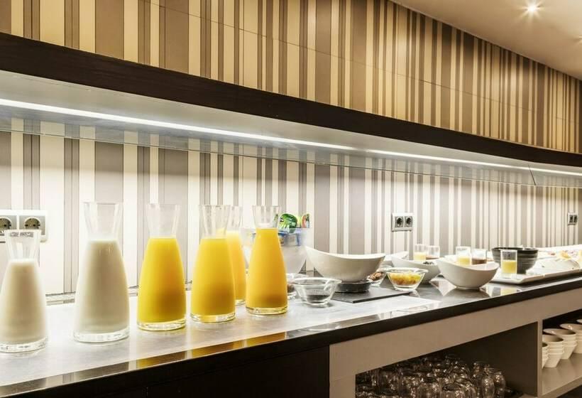 מסעדה בית מלון כפרי Ilunion Almirante ברצלונה