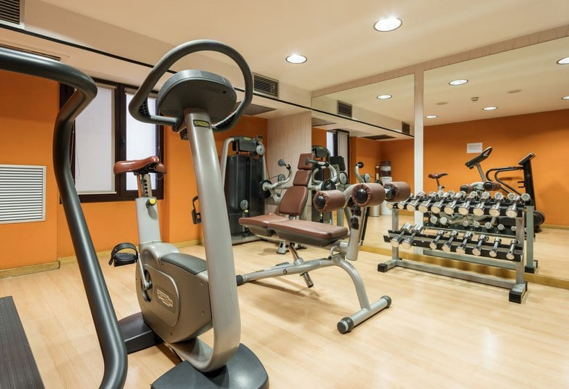 מתקני ספורט בית מלון כפרי Ilunion Almirante ברצלונה