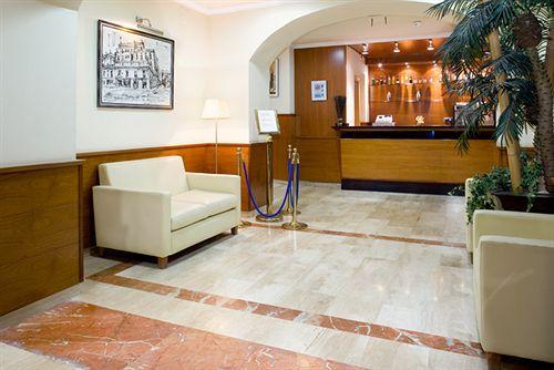 hotel oasis em barcelona desde 19 destinia. Black Bedroom Furniture Sets. Home Design Ideas