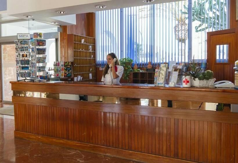 Recepción Hotel Riomar Santa Eulalia del Río