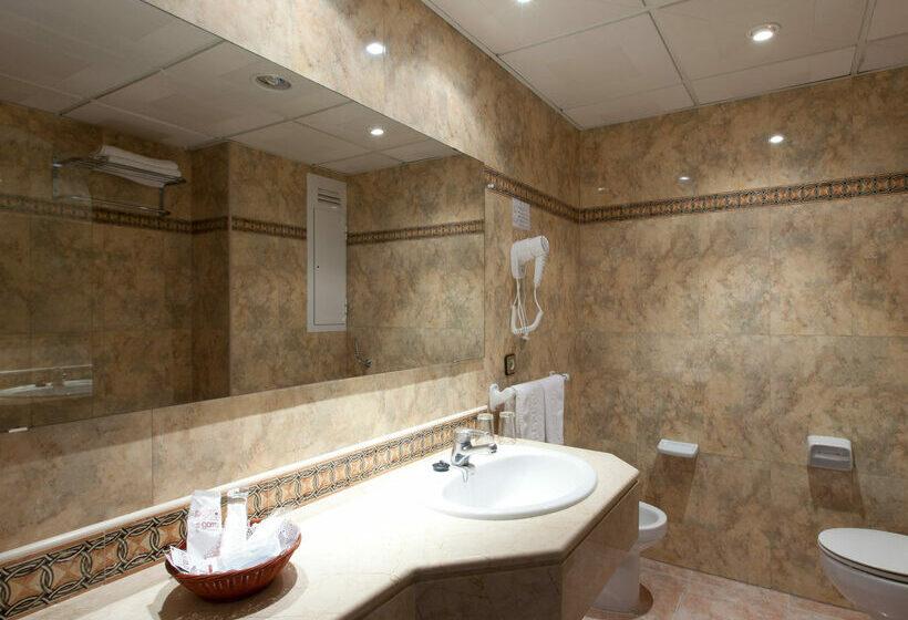 浴室 ホテル Seramar Sunna Park Paguera