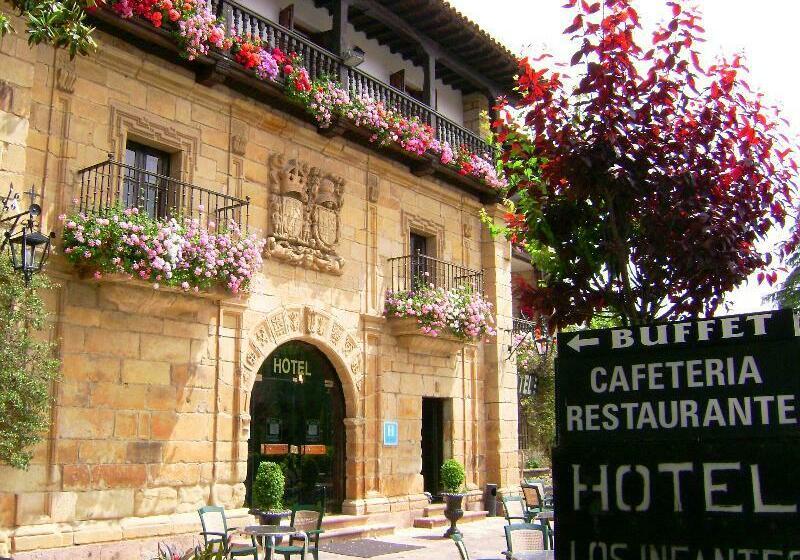 فندق Los Infantes سانتييانا ديل مار