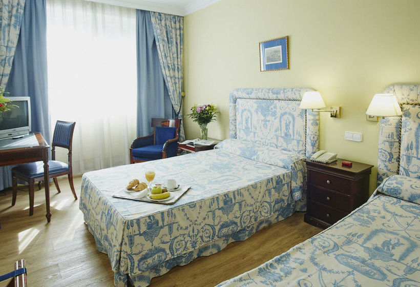 Room Hotel Osuna Madrid
