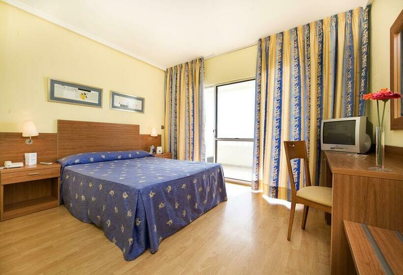 Room Hotel Elimar Rincon de la Victoria