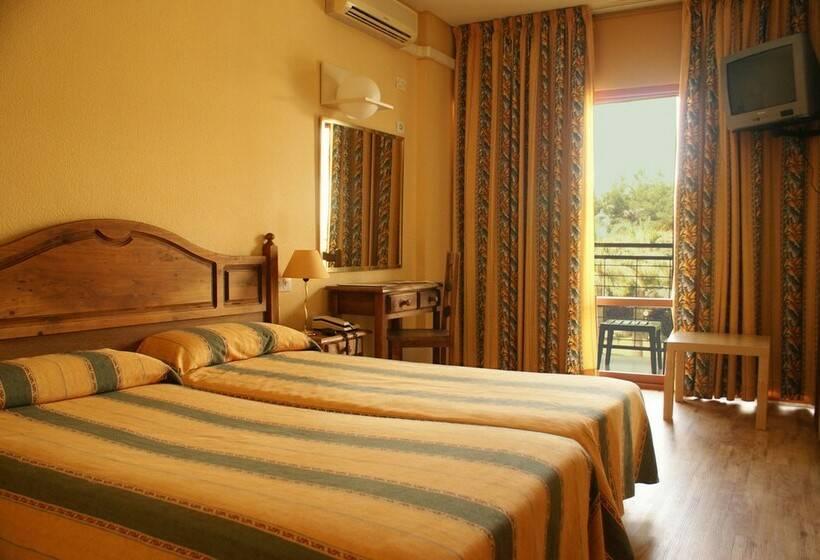 غرفة فندق San Fermin بينالمادينا