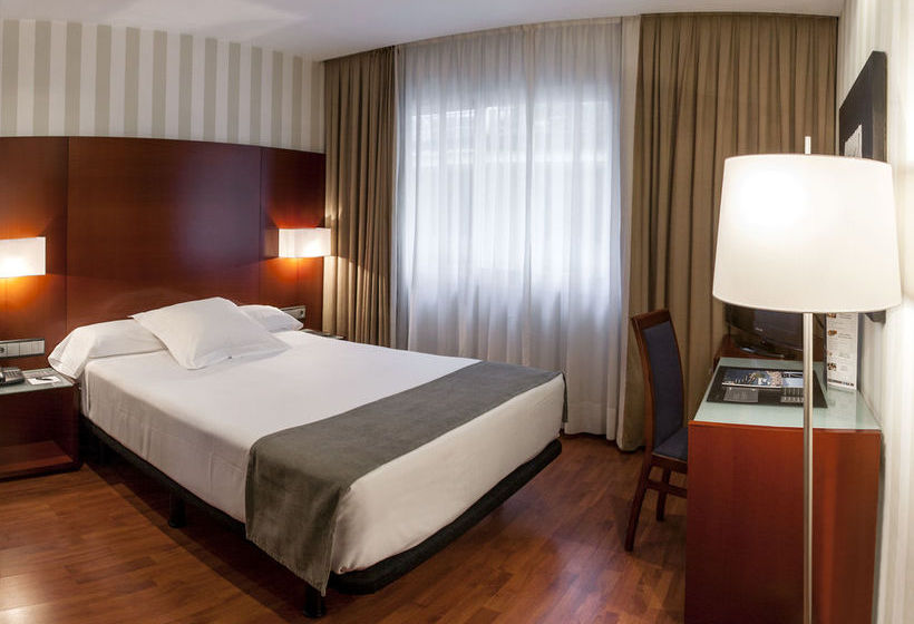 ホテル Zenit Malaga マラガ