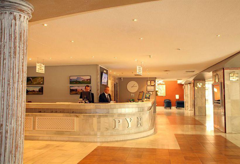 Reception Aparthotel PYR Marbella