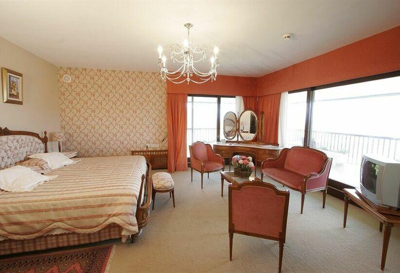 Hotel Arresi Lemoiz