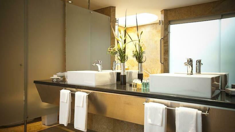 Bathroom Hotel InterContinental Medellin Medellín