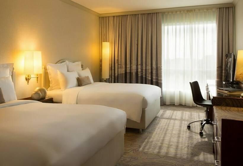 Room Hotel Renaissance Duesseldorf