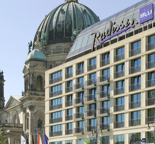 Outside Radisson Blu Hotel Berlin Berlim