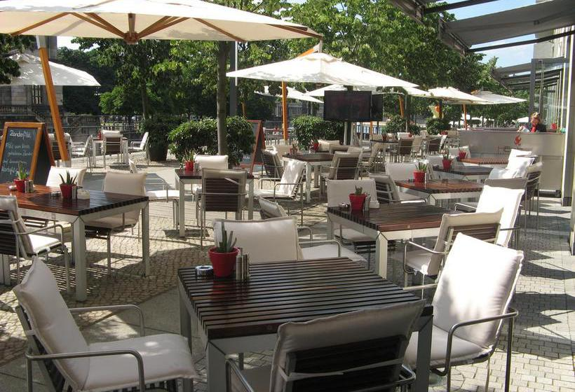 Terrace Radisson Blu Hotel Berlin