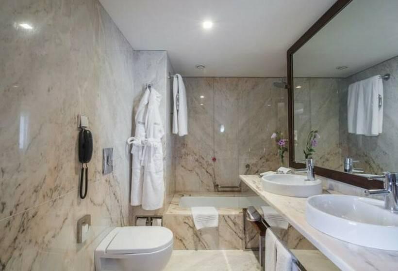 Badezimmer Porto Palacio Congress Hotel & Spa