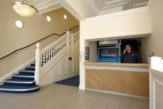 ホテル Travelodge Edinburgh Learmonth エディンバラ