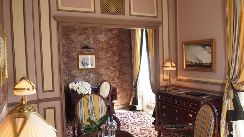 Room Grand Hotel Bordeaux & Spa