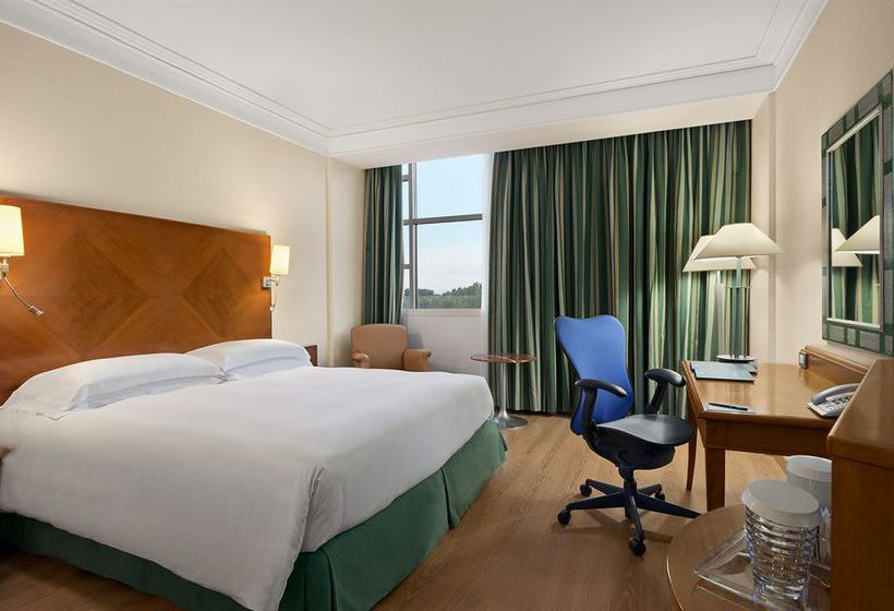 هتل Hilton Rome Airport Fiumicino