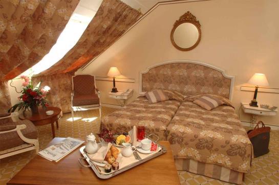 Hotel NH Rex Genebra