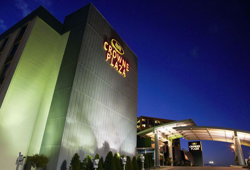 هتل Crowne Plaza Bloomington