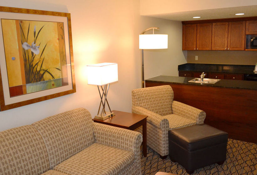 فندق Holiday Inn Express Tampa-Brandon