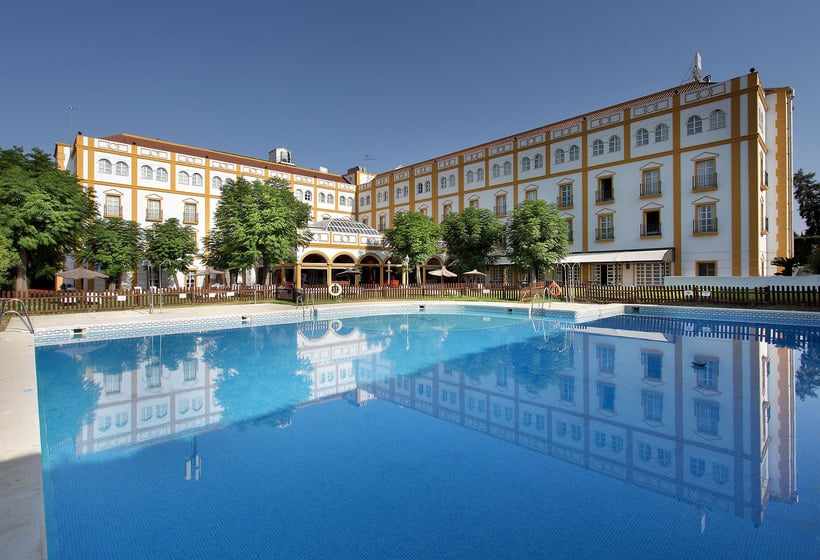 Swimming pool Exe Gran Hotel Solucar Sanlucar la Mayor