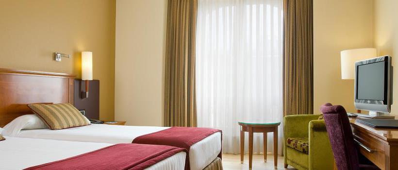 部屋 ホテル NH Palacio de Vigo ビーゴ