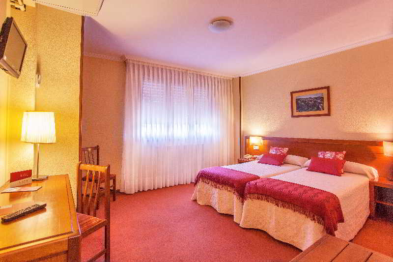 호텔 San Lorenzo 산티아고 데 콤포스텔라