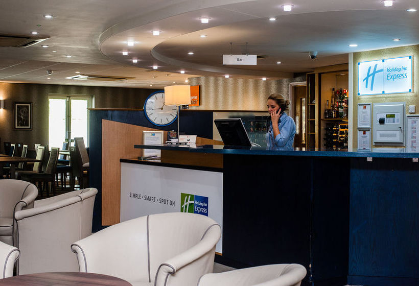 Hotel Holiday Inn Express Canterbury