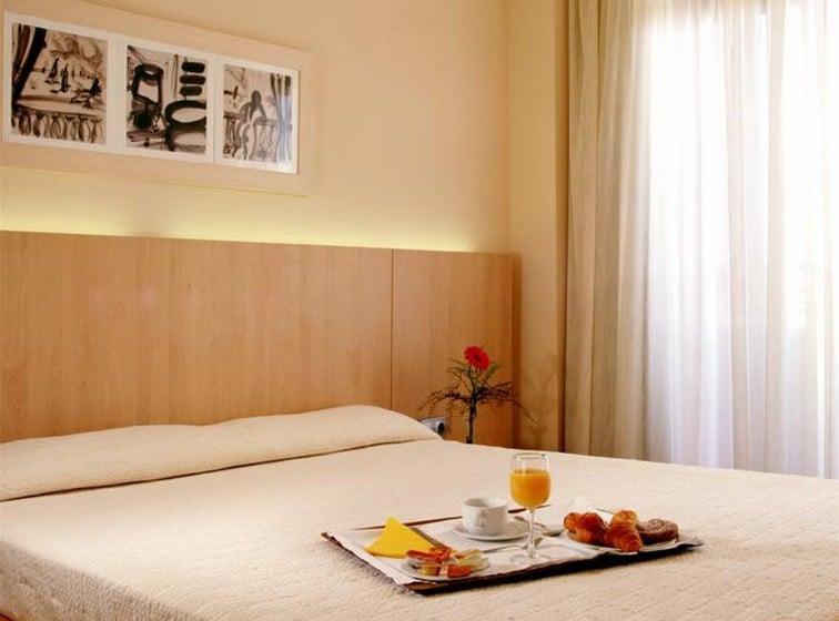 Room Aparthotel Advise Reina Vera