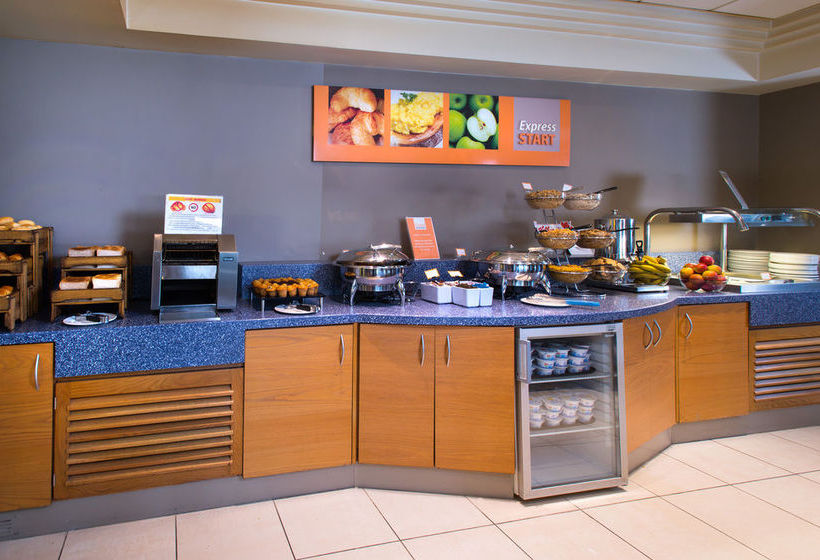 Hotel Holiday Inn Express London Chingford Londres