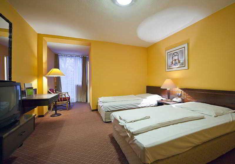 Lido Hotel Budapest