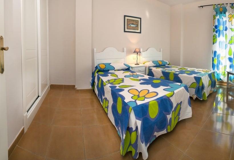 Room Apartamentos Leo San Bruno Isla Canela