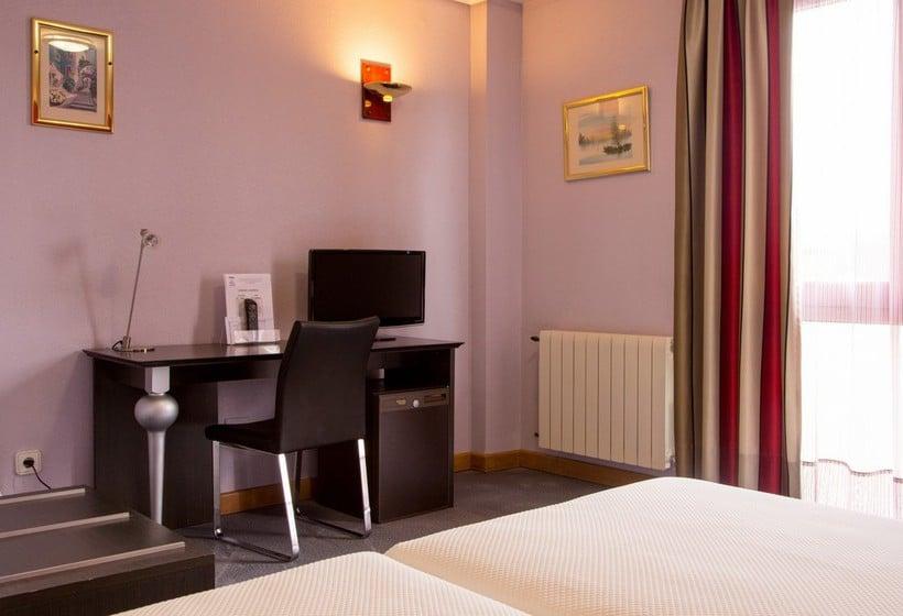 Camera Hotel Château La Roca Sancibrian