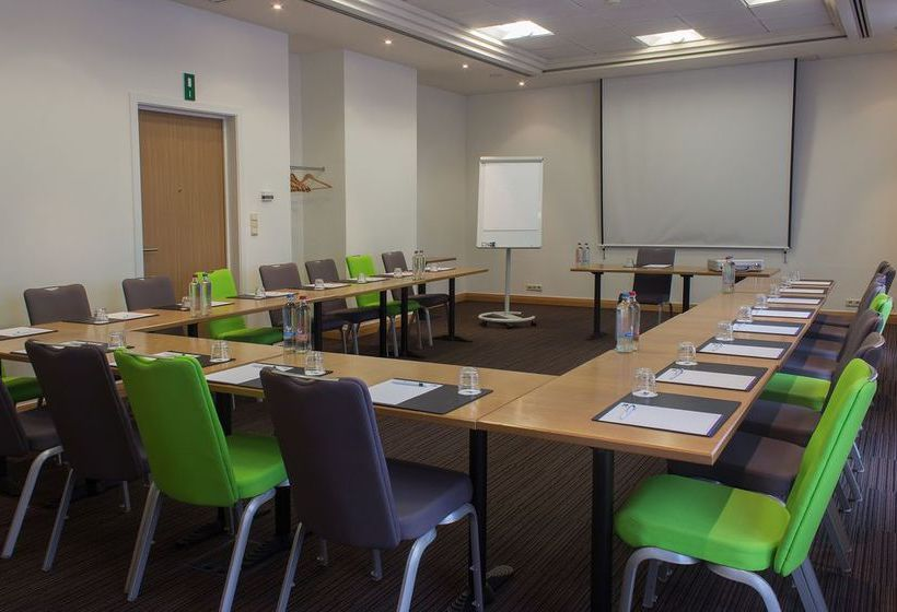 فندق Express by Holiday Inn Hasselt