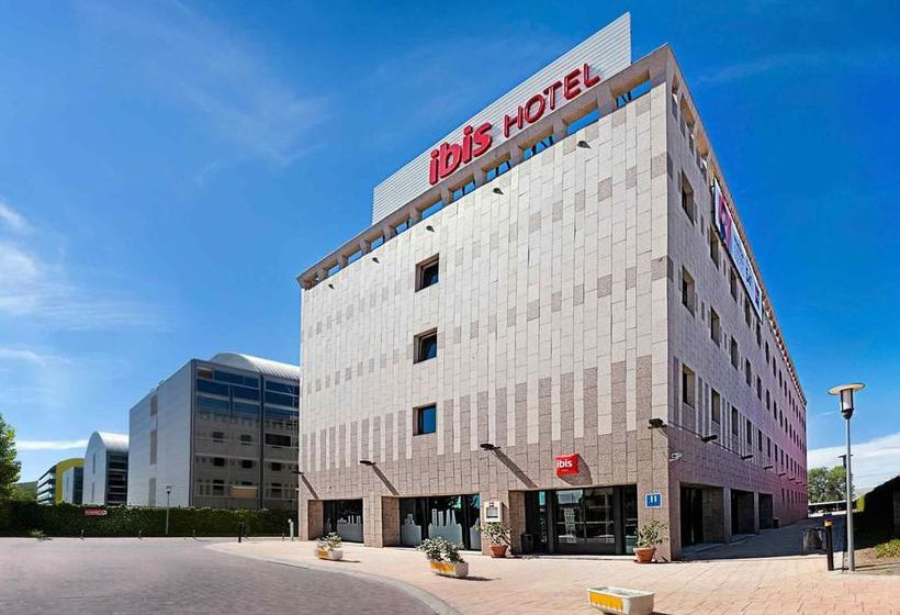 Hotel Ibis Madrid Alcala de Henares La Garena