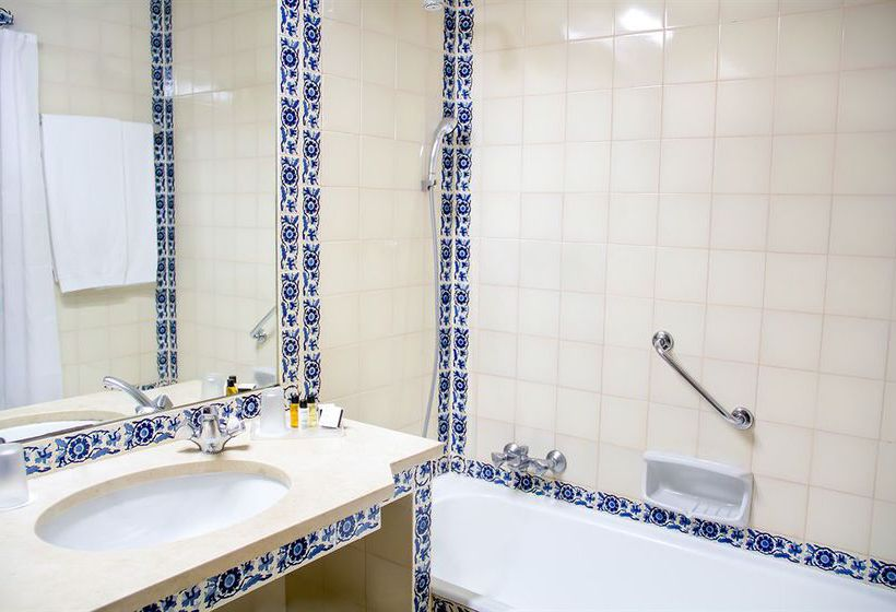 Bathroom Hotel Tivoli Lagos