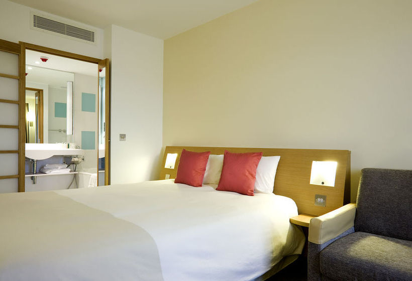 Novotel Newcastle Airport نيوكاسل