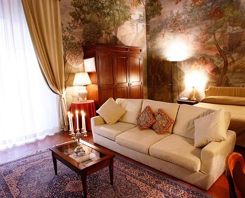 Hotel All-Suites Palazzo Magnani Feroni Florenz