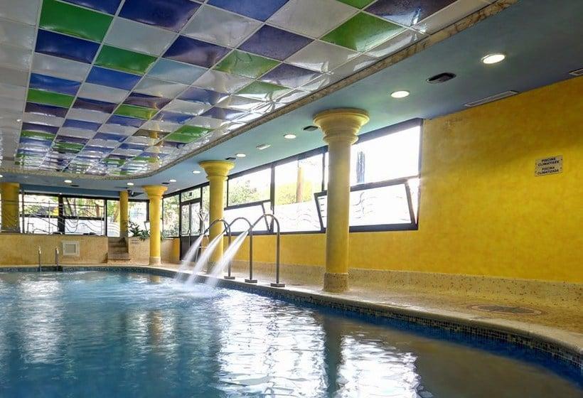 حمام سباحة Apartamentos 1ª Linea Multiservicios Marina D'Or أوروبيسا ديل مار