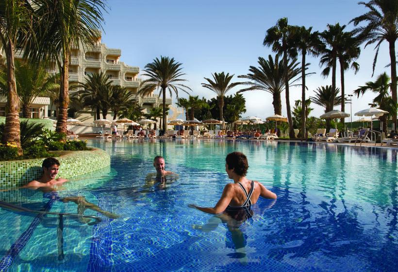 호텔 Riu Palace Tres Islas Corralejo