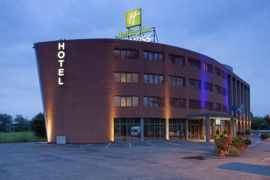 فندق Express By Holiday inn Parma بارما