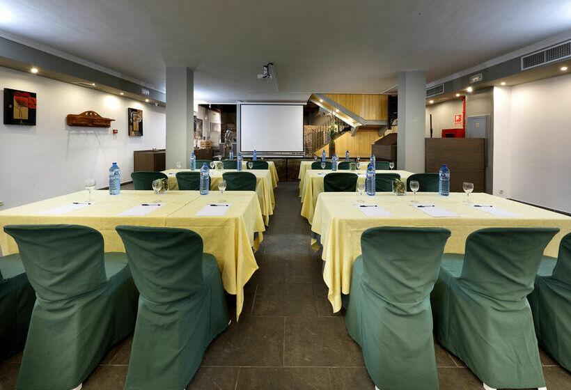 هتل Tribuna مالاگا