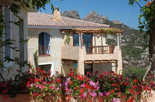 ホテル Rocce Sarde San Pantaleo