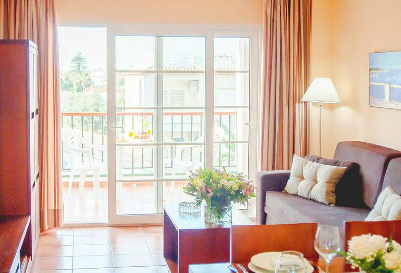 Aparthotel Ona Ogisaka Garden دينيا
